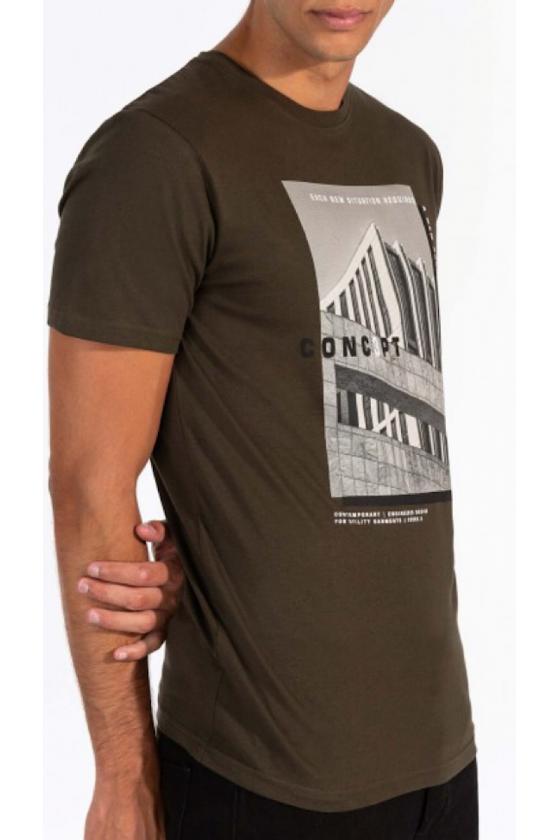 Camiseta Akonstantin